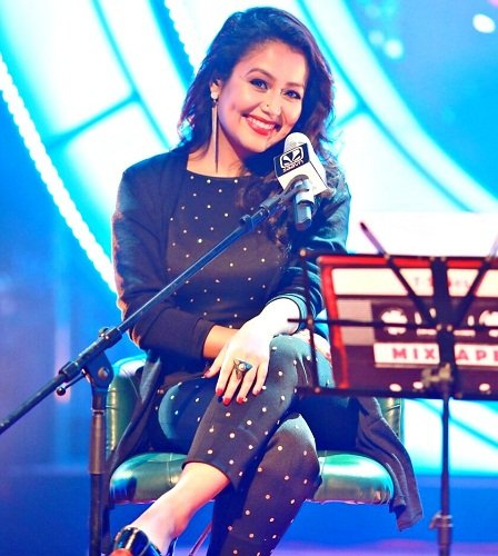 biography-how-jagrata-singing-girl-neha-kakkar-became-world-famous-singer