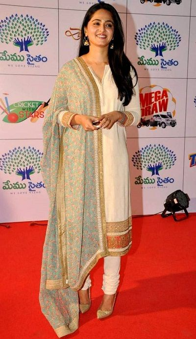 Anushka Shetty Wiki, Age, Boyfriend, Family, Caste, Biography & More