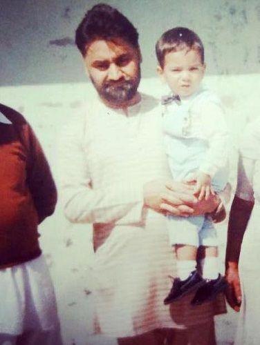 mahek-chahal-with-family