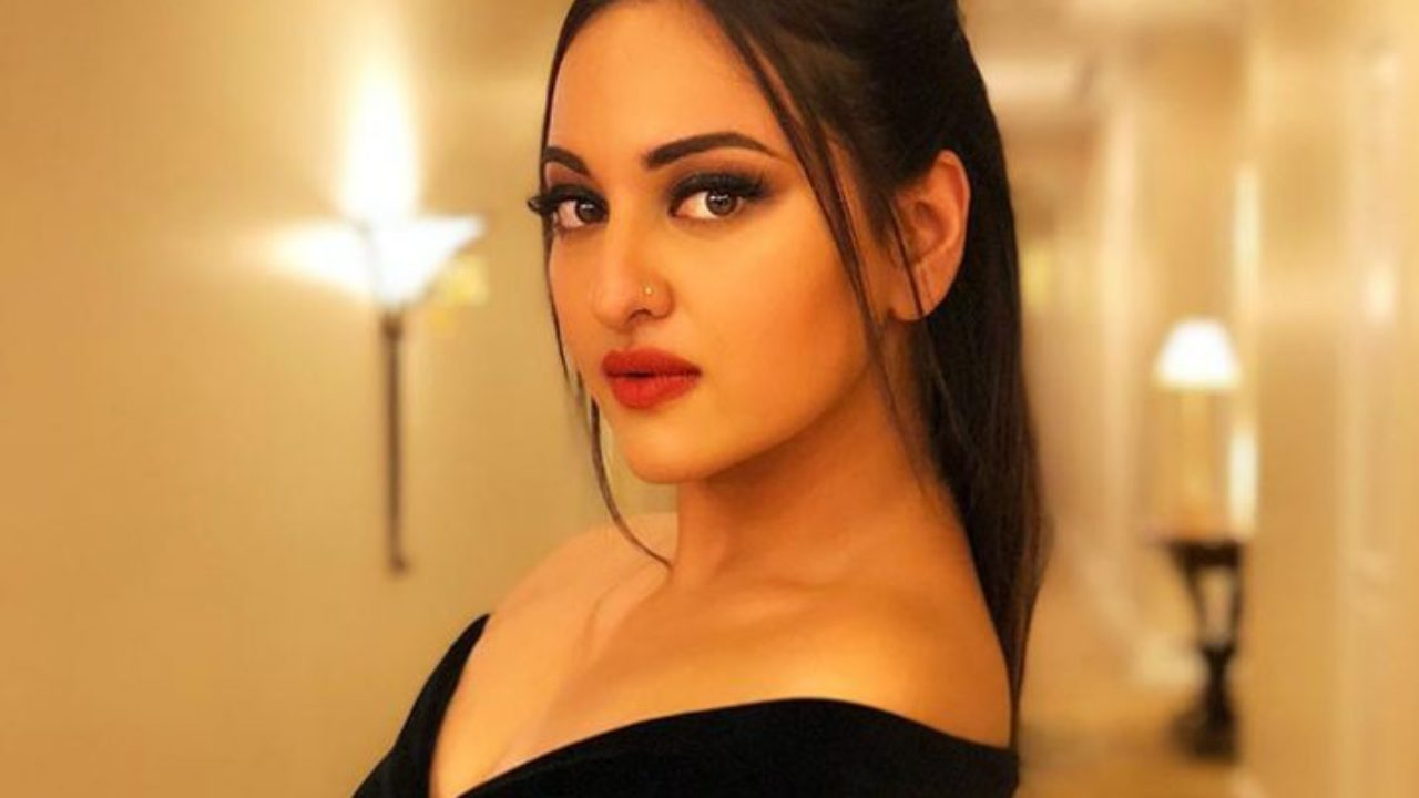 Sonakshi Sinha Wiki Age Boyfriend Family Religion Biography More Wikibio