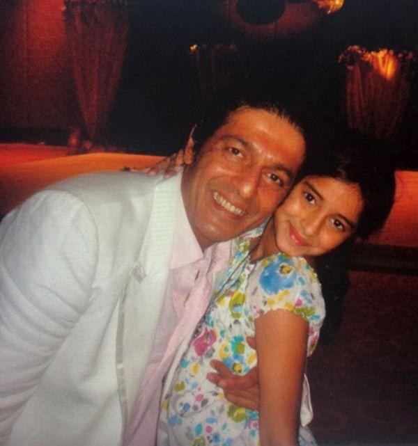 Ananya Pandey Wiki, Height, Age, Boyfriend, Family ..World Super Star Bio