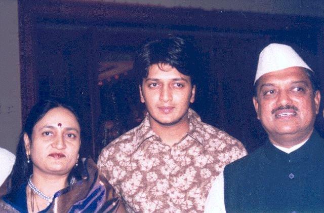 Riteish Deshmukh Wiki Age Wife Family Caste Biography More