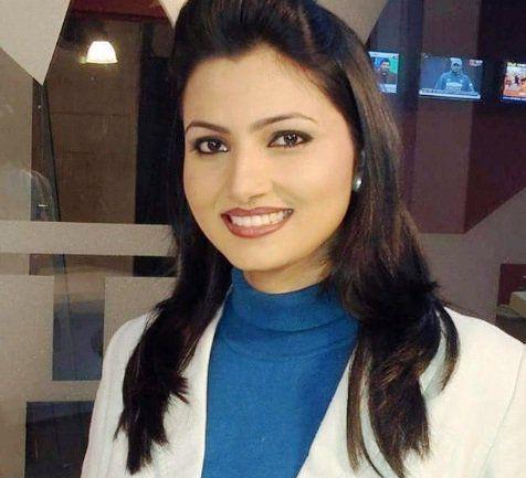 Chitra Tripathi Wiki, Age, Boyfriend, Husband, Family
