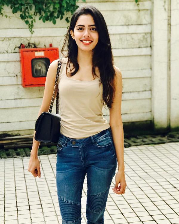actress Sana Sayyad in lockdown love serial