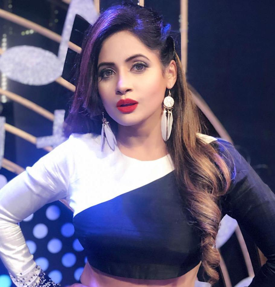 Miss Pooja Wiki, Age, Boyfriend, Husband, Family, Biography & More