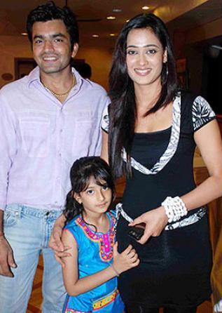 Image result for shweta tiwari ex husband and daughter