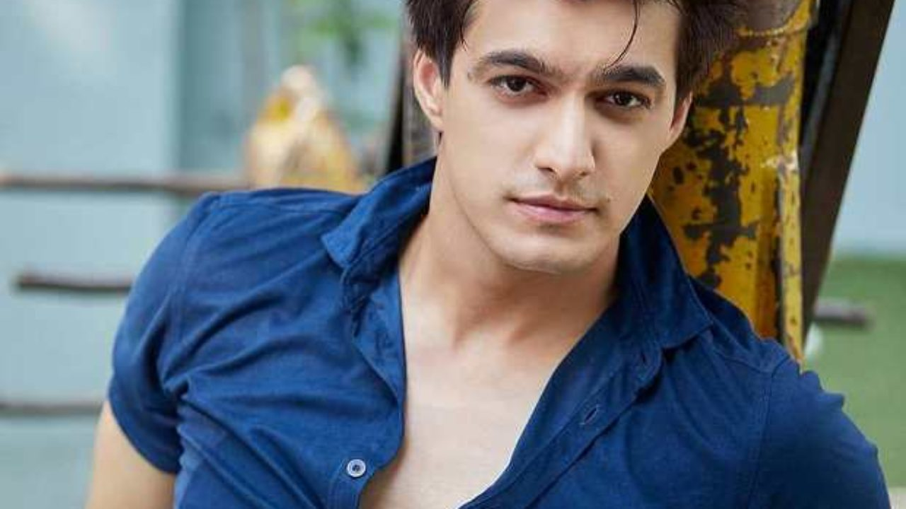 Mohsin Khan Wiki Age Girlfriend Wife Family Biography More Wikibio Initially, they didn't entertain any questions about their relationship; mohsin khan wiki age girlfriend wife